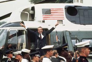 Nixon-depart1